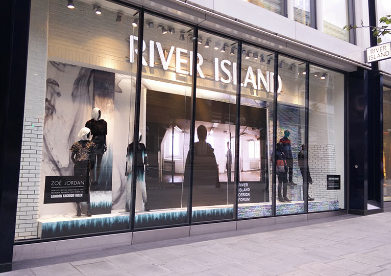 Retail Led Screens Fonix Led Bespoke Store Window Screens